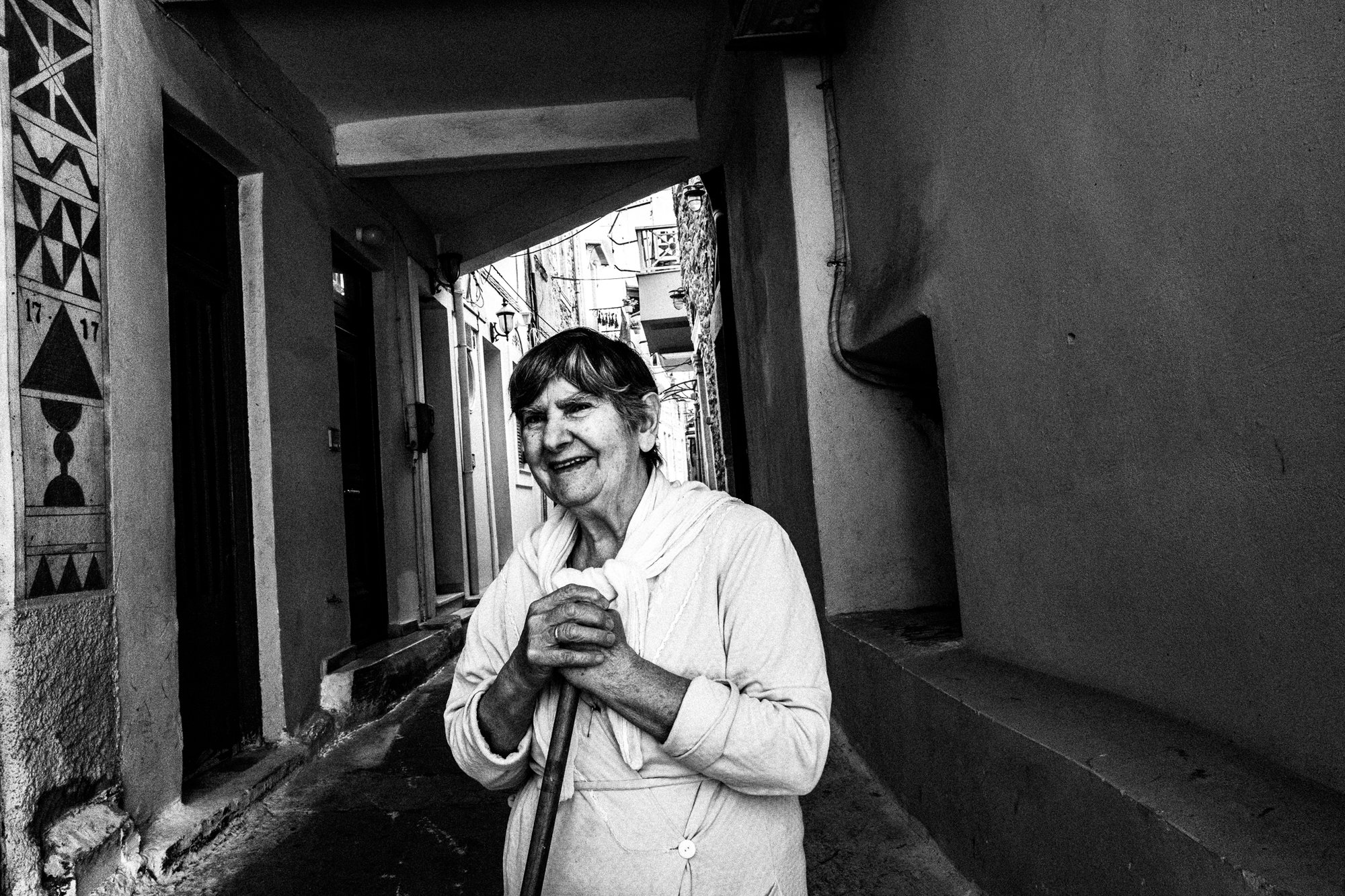 Woman in Pyrgi village Ελλάδα. Βόρειο Αιγαίο. Chios