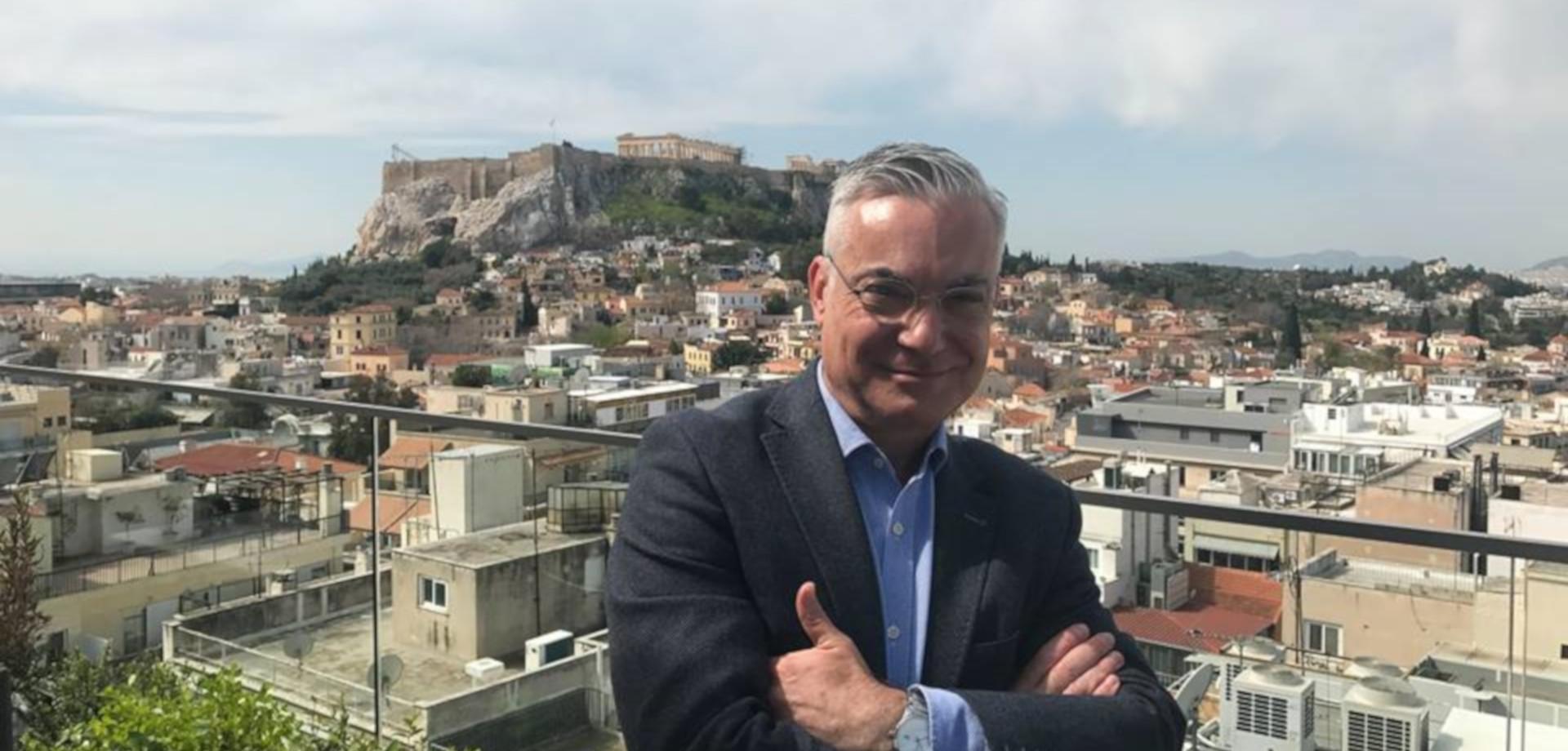 Νίκος Βατόπουλος