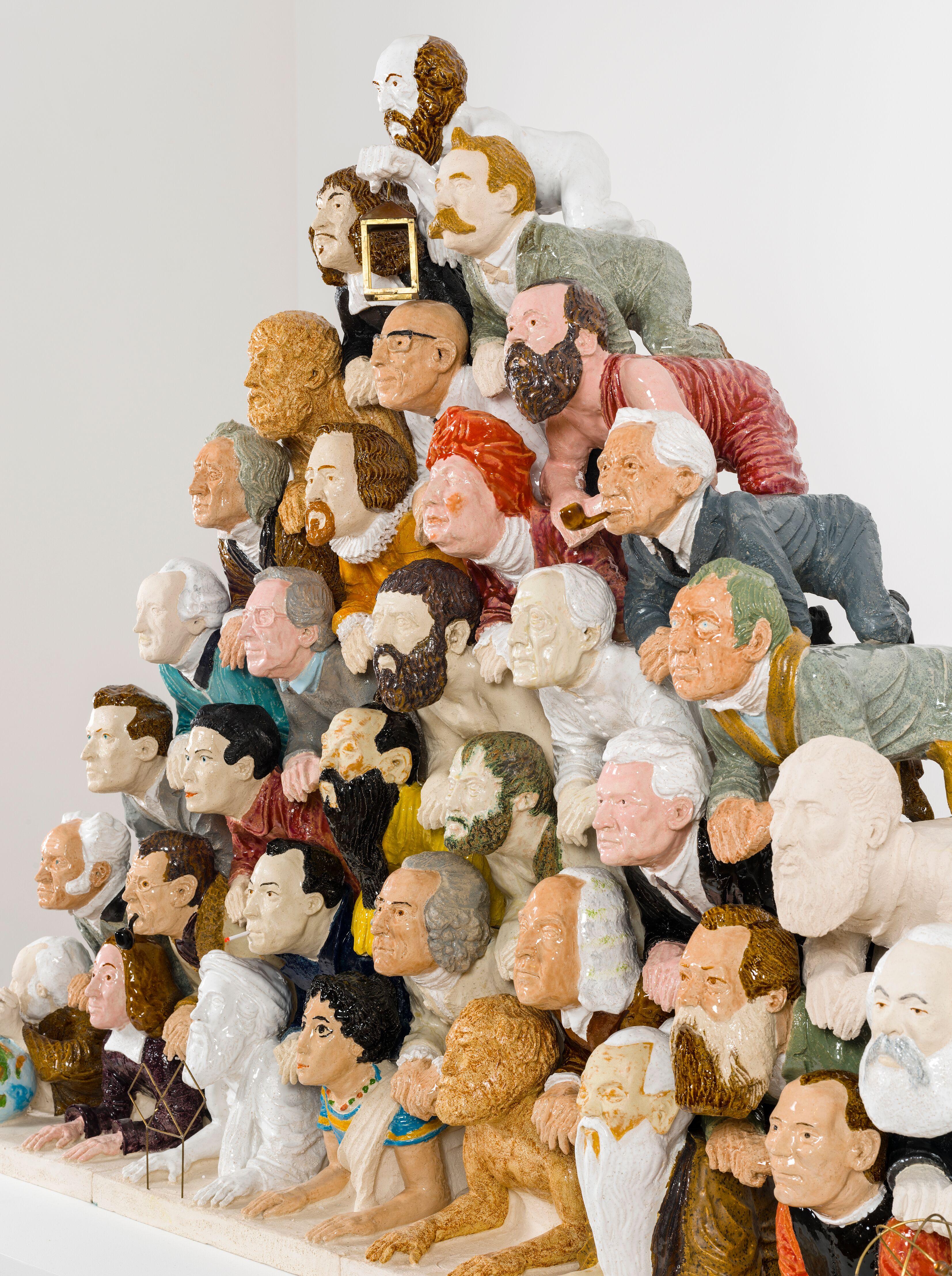 Διονύσης Καβαλλιεράτος , Philosophers forming a human pyramid , 2014. Εφυαλωμένο κεραμικό, μπρούντζος, χαλκός , 120 x 160 x 40 cm . Ευγενική παραχώρηση του καλλιτέχνη. Φωτο : Boris Kirpotin , Αθήνα