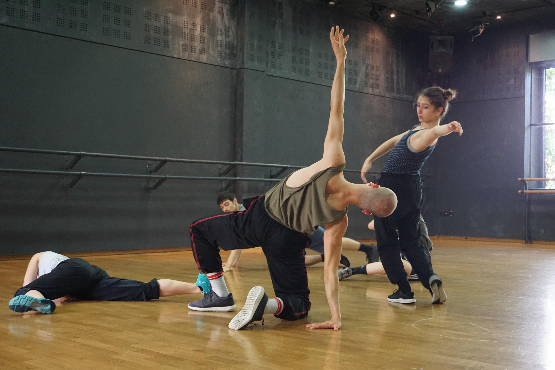 """Από τις πρόβες για το """"A Dance For Many"""" σε χορογραφία Cyril Baldy"""