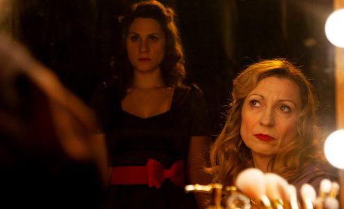 «Το σύνδρομο της Εύας»: Ένα θεατρικό έργο εμπνευσμένο από ιστορίες των παρασκηνίων του Μπρόντγουαιη