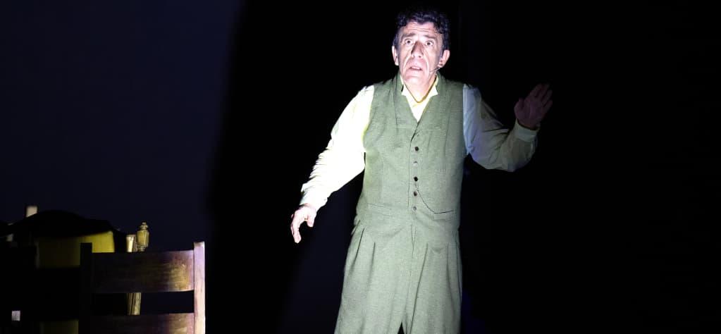 ΛΟΥΚΗΣ ΛΑΡΑΣ - Δημοτικό Θέατρο Πειραιά